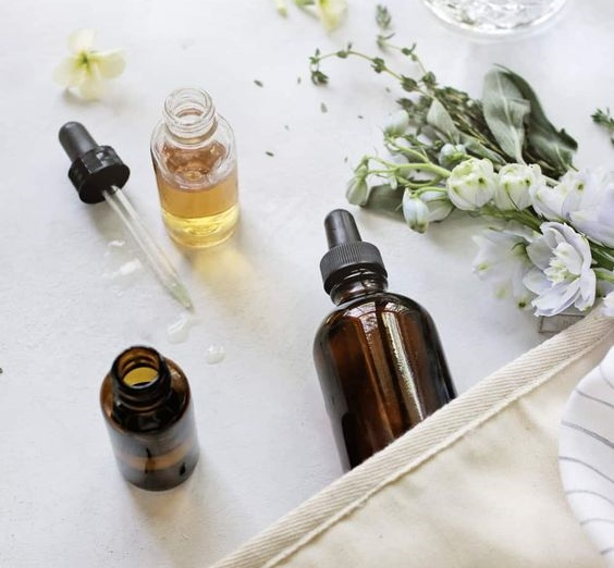 Aromatherapy for pregnancy issues